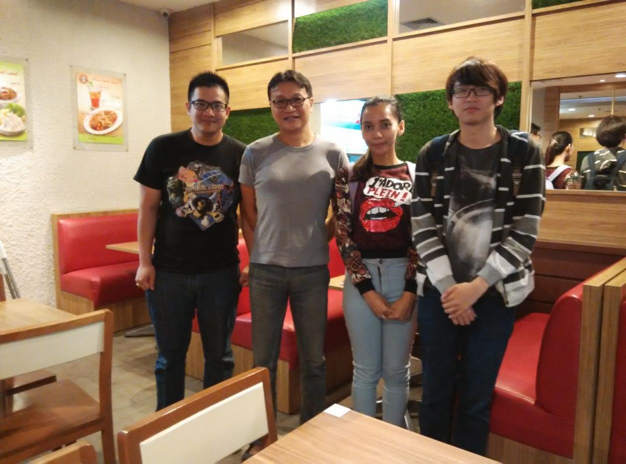 Dari kiri ke kanan :  Nicco, Pak Emille, Kindi, dan Anthony. Setelah wawancara selesai
