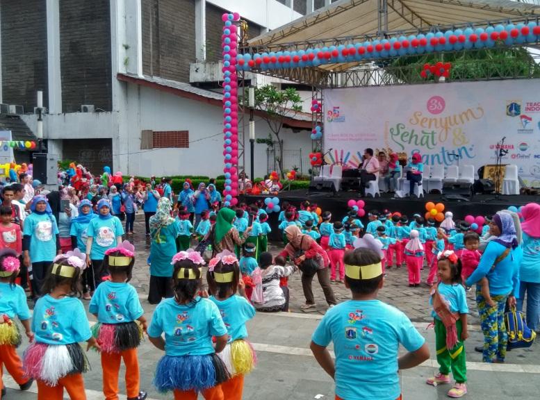 "Dalam memperingati hari Kartini, TFI bersama PAUD menggelar satu acara dengan tema ""Senyum Sehat dan Santun"""