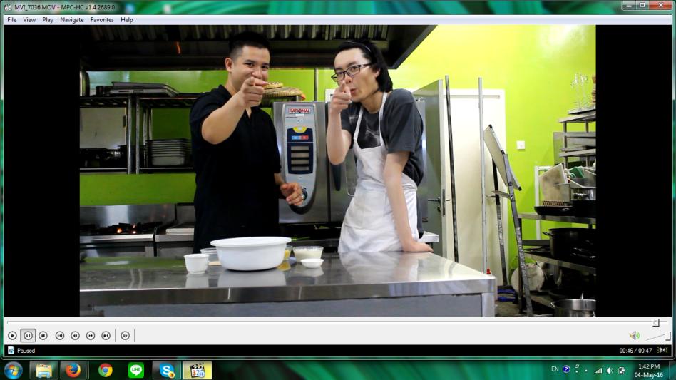 Nicco dan Anthony akan membuat Mango Bread